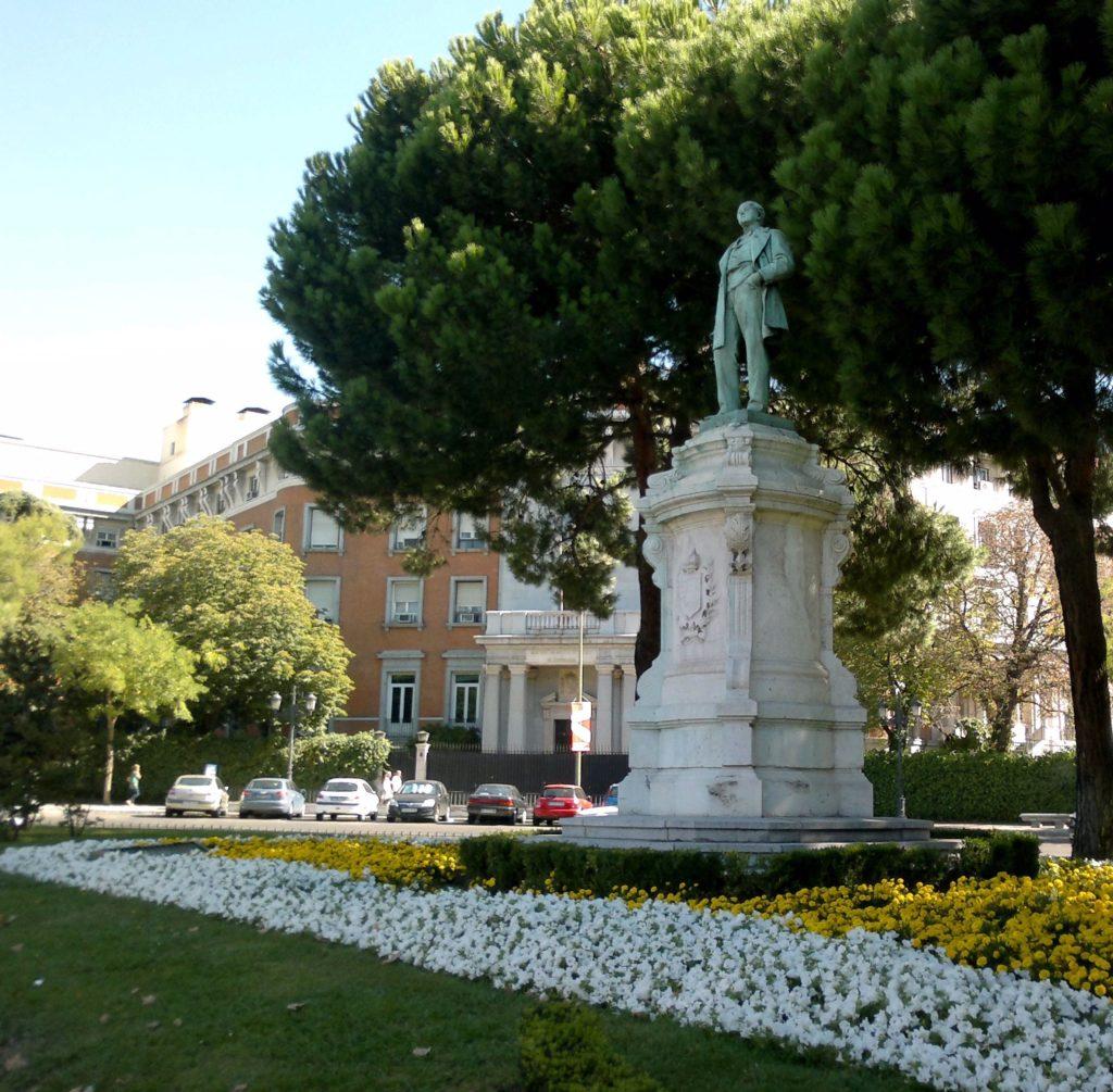 singular-living-real-estate-barrio-de-salamanca-plaza-del-marques-de-salamanca-1024x1005.jpg
